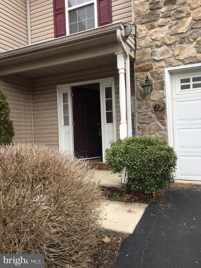 Hershey Townhouse For Sale: 33 Carousel Circle