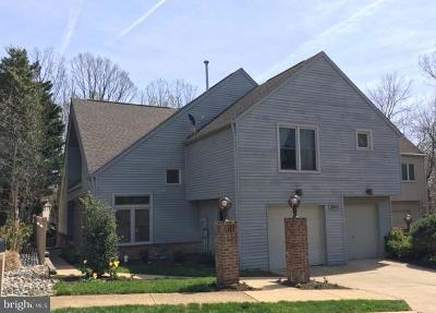 Reston Single Family Home For Sale: 2043 Beacon Place