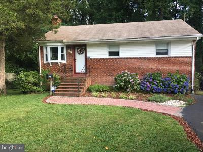 Falls Church VA Single Family Home For Sale: $525,000