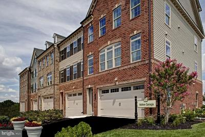 Ellicott City Single Family Home For Sale: 6001 Charles Crossing