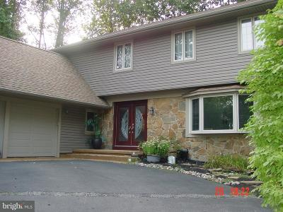 Voorhees Single Family Home For Sale: 14 Beacon Place