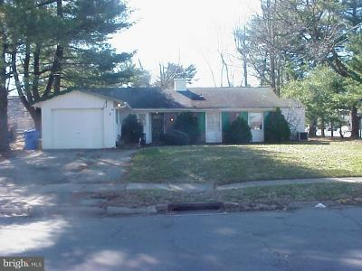 Willingboro NJ Single Family Home Under Contract: $65,000