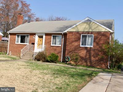 Falls Church VA Single Family Home For Sale: $549,500