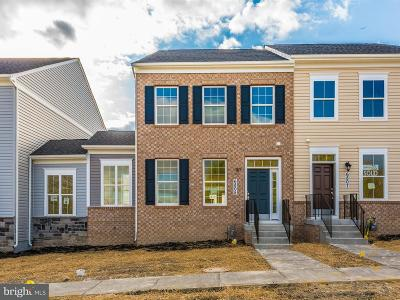 New Market Townhouse For Sale: 23 Chickadee Lane