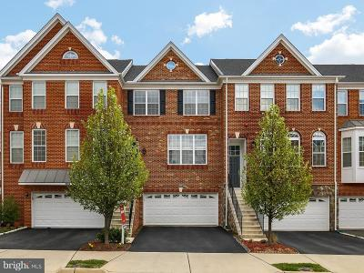 Loudoun County Townhouse For Sale: 43267 Mitcham Square