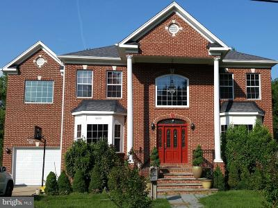 Falls Church VA Single Family Home For Sale: $1,150,000