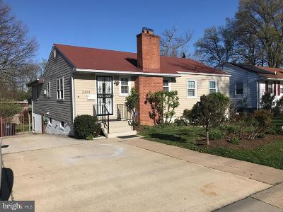 Hyattsville Single Family Home For Sale: 6525 Parkway Court