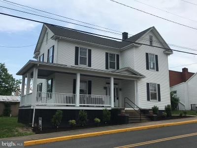 Luray Single Family Home For Sale: 11 Court Street S