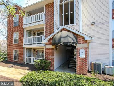 McLean Single Family Home For Sale: 1536 Lincoln Way #301