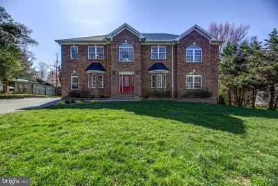 Fairfax VA Single Family Home For Sale: $1,180,000