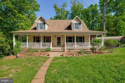 Triangle Single Family Home For Sale: 18321 Chestnut Drive