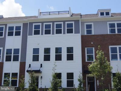 Edgewater Townhouse For Sale: 308 Bright Light Court