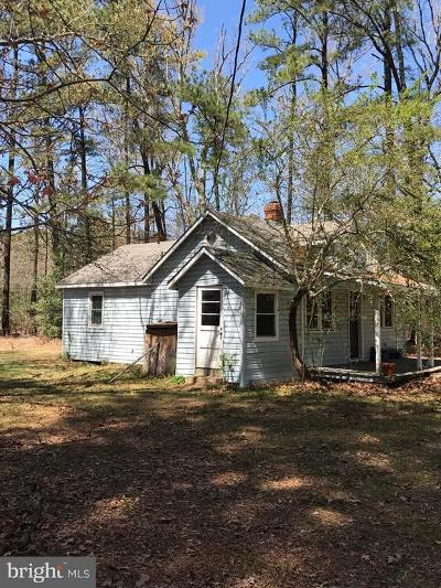 Calvert County, Saint Marys County Single Family Home For Sale: 18055 Cherryfield Road