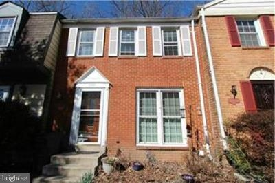 Burke VA Townhouse Under Contract: $344,900