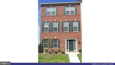 Glenarden Townhouse For Sale: 9420 Geaton Park Place