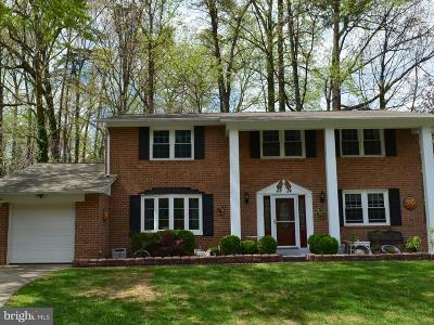 Fairfax Single Family Home For Sale: 4824 Gainsborough Drive