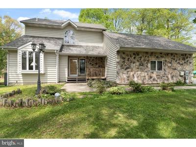 Middletown Single Family Home Under Contract: 231 Waterford Drive