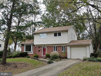 Cherry Hill Single Family Home For Sale: 1710 Country Club Drive