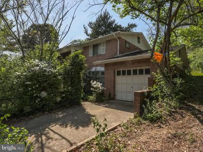 Kings Park West Single Family Home For Sale: 5200 Twinbrook Road