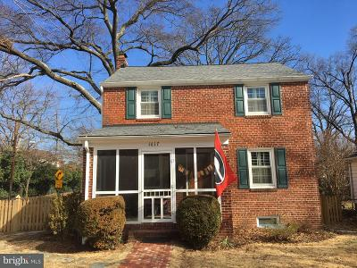 Alexandria Single Family Home Active Under Contract: 1617 Crestwood Drive