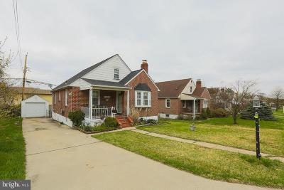 Parkville Single Family Home For Sale: 3008 Oak Forest Drive