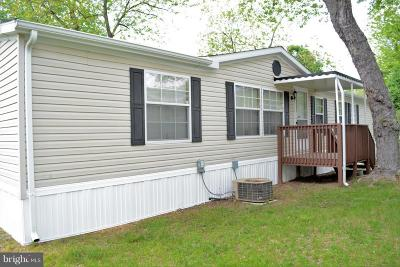 Temple Hills Single Family Home Active Under Contract: 8601 Temple Hill Road #111