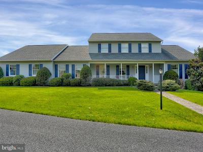 Camp Hill, Mechanicsburg Single Family Home For Sale: 10 Teal Road