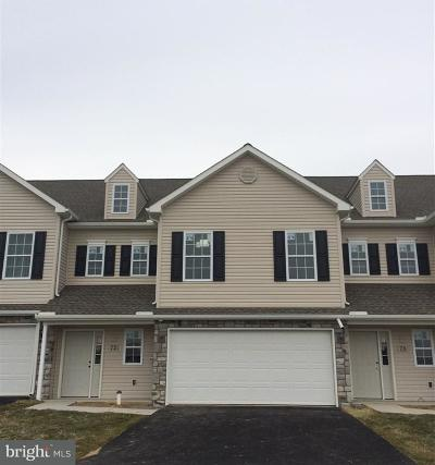 Palmyra Townhouse For Sale: 72 Cortland Crossing