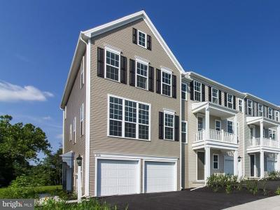 Hummelstown Townhouse For Sale: 2113 Red Fox Drive