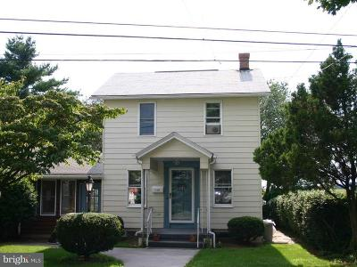 Hershey Single Family Home For Sale: 113 N Lingle Avenue