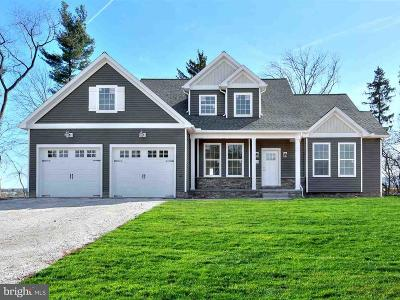 New Oxford Single Family Home For Sale: 111 Woodland Drive