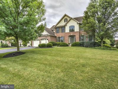 Lititz Single Family Home For Sale: 105 Hunters Crossing