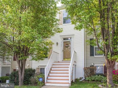 Dumfries Townhouse For Sale: 15694 Viewpoint Circle