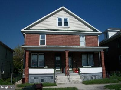 Cumberland Single Family Home For Sale: 435 Race Street