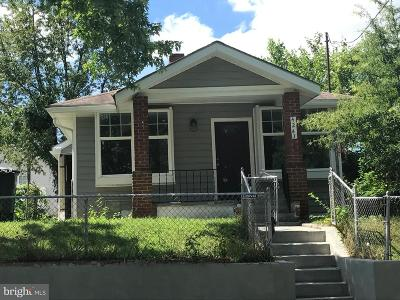 Washington Single Family Home For Sale: 4243 Dix Street NE