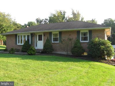 Palmyra Single Family Home For Sale: 239 Lawn Road