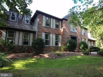 Clifton Single Family Home For Sale: 6400 Woodland Run Court