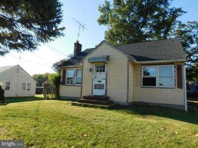 Single Family Home For Sale: 2802 Pulaski Highway