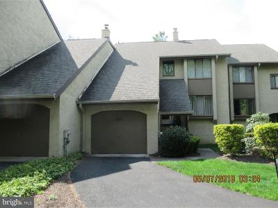 Townhouse For Sale: 203 Golf Club Drive