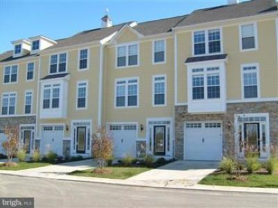 Colonial Beach Townhouse Under Contract: 703 Monroe Point Drive