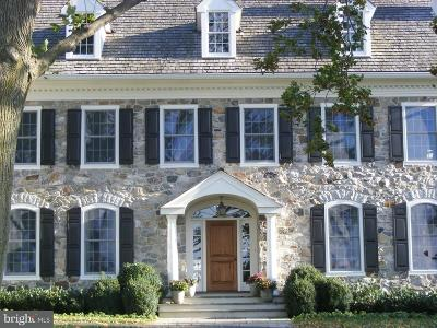Newtown Square Single Family Home For Sale: 19 Harrison Drive