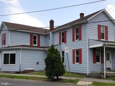 Cumberland Single Family Home For Sale: 215 Oldtown Road