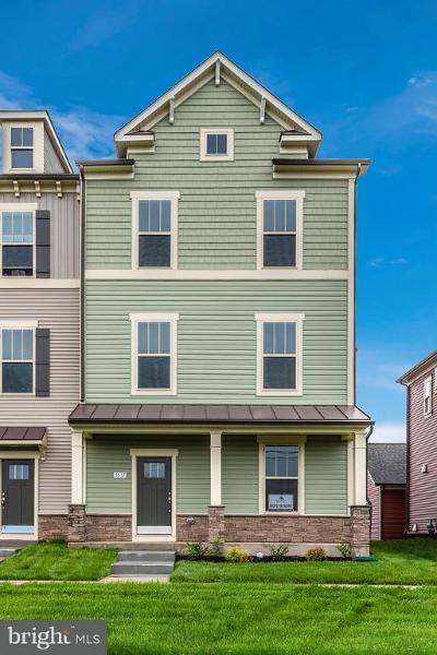Frederick Townhouse For Sale: 3537 Shady Pines Lane