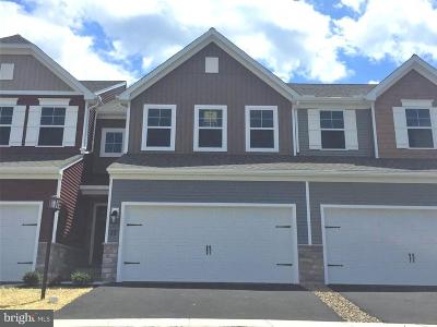 Mechanicsburg Townhouse For Sale: 32 Simon Court