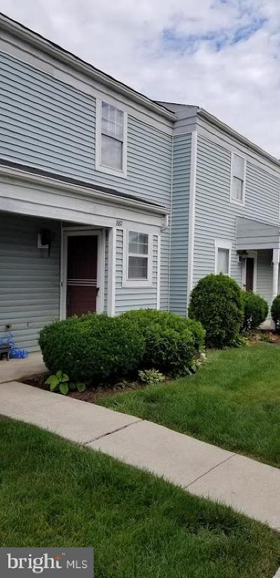 Camp Hill, Mechanicsburg Townhouse For Sale: 887 Old Silver Spring Road