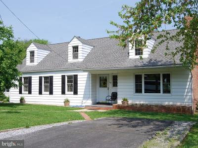 Mount Holly Springs Single Family Home For Sale: 118 Hill Street