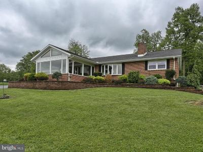 Elizabethtown Single Family Home For Sale: 151 Koser Road