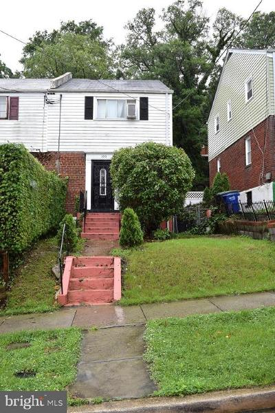 Washington DC Single Family Home For Sale: $240,000