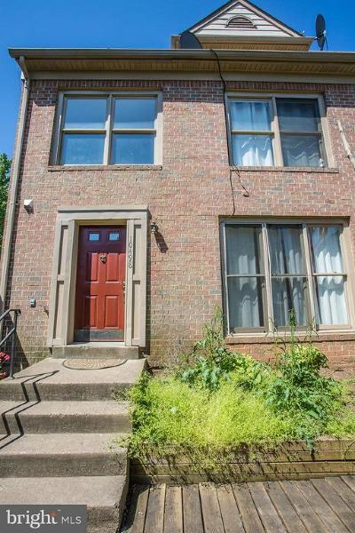 Manassas Townhouse Under Contract: 10498 Stonington Lane