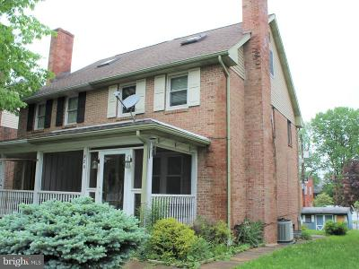 Lancaster PA Single Family Home For Sale: $125,000